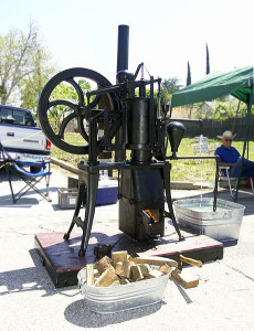 Stirling Engine example courtesy of Wikimedia Commons